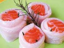médaillons de plie de saumon et sauce cresson et crevettes