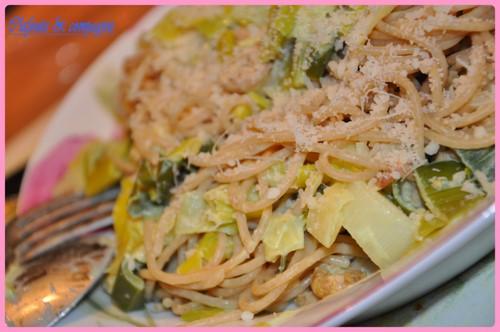 Spaghettis aux poireaux et crevettes grises